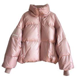 Куртка дутая с нашивкой на рукаве розовая